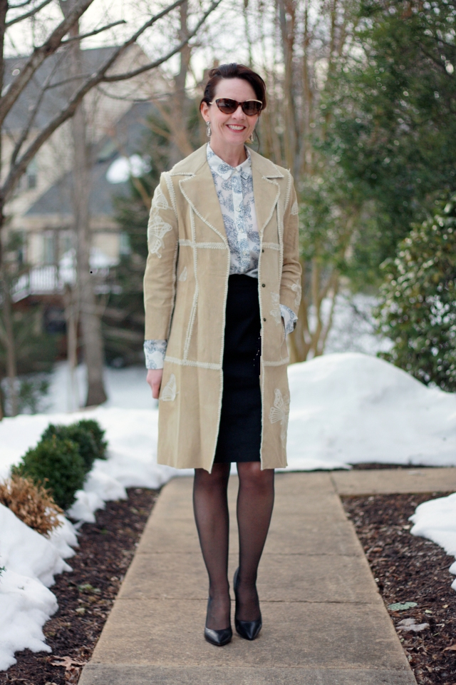 suede-trench-and-black-pencil-skirt
