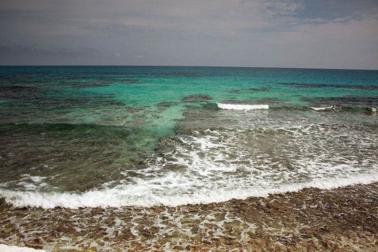 isla-mujeres-sea-wall